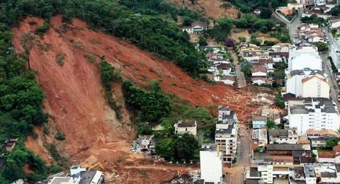 Penyebab Terjadinya Tanah Longsor