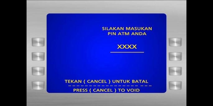 Jika sudah sampai di ATM, masukkan kartu ATM beserta pinnya