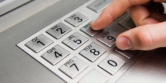 Lalu-masukkan-6-digit-PIN-ATM-Anda.-Pastikan-PIN-yang-Anda-masukkan-benar-sebab-kartu-ATM-Anda-akan-terblokir