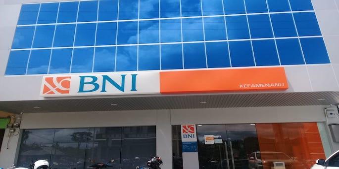 Pergi ke Bank BNI terdekat